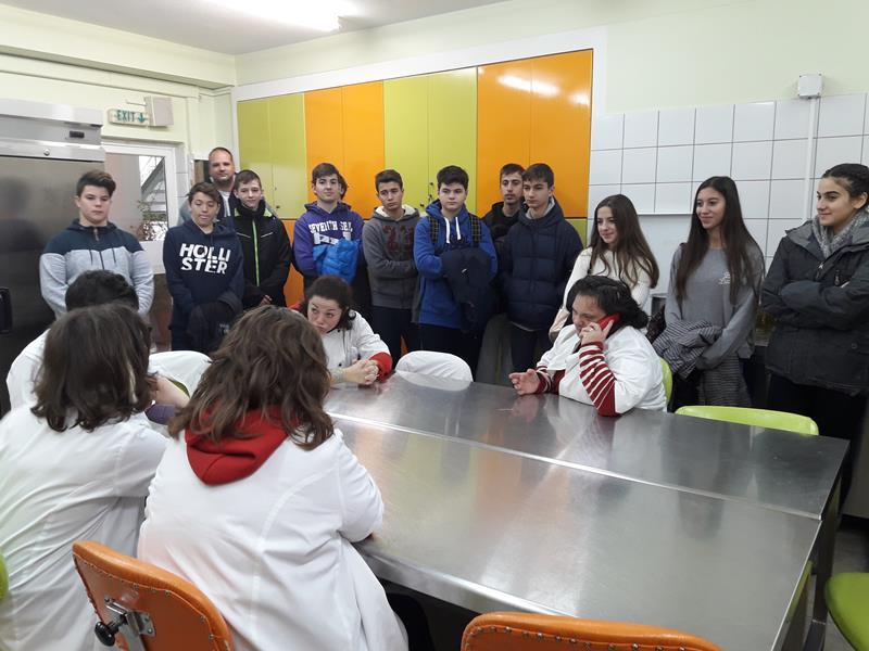 Οι μαθητές της Γ' Γυμνασίου της Λεόντειου σχολής πραγματοποίησαν επίσκεψη στην Εστία